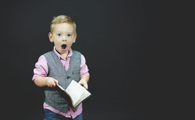 compartilhar conhecimento crianca aprendendo
